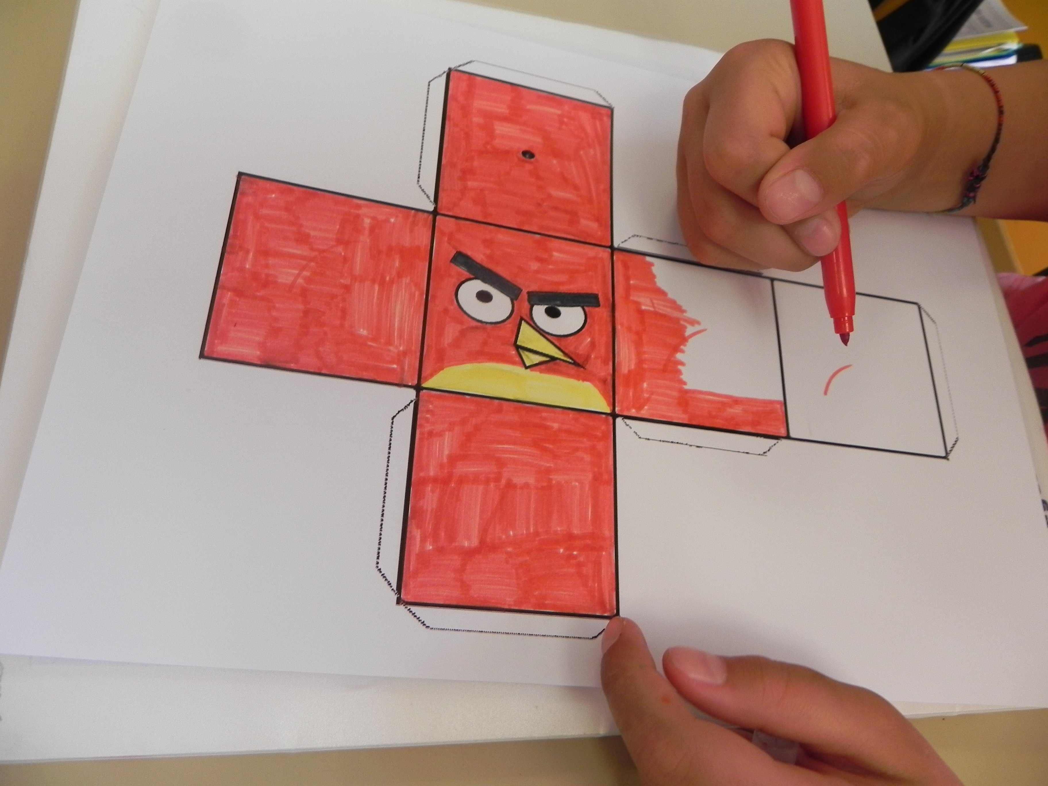 Coloriage Solide Cp.Des Solides Rigolos Angry Birds Et Picachu Recreatisse